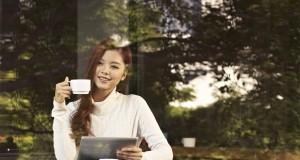 Girl Model 5 Cafe 10 300x160