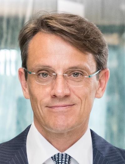 Claudio De Sanctis Deutsche Bank Head Of International Private Bank And CEO EMEA Headshot